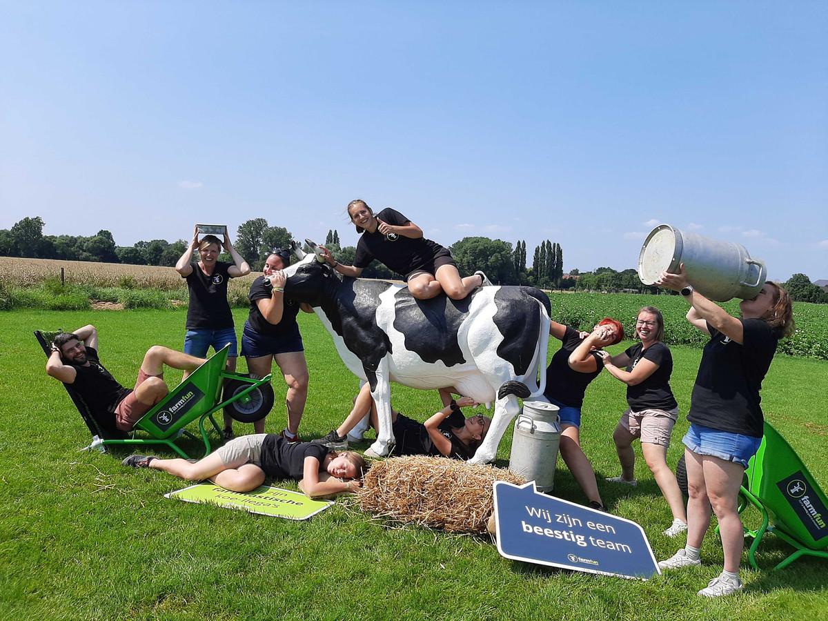 MERCHTEM: De spelbegeleiders van Farmfun