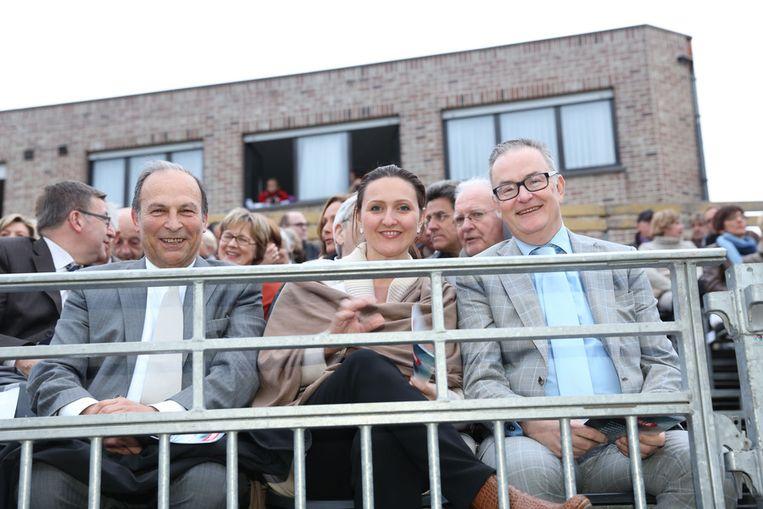 Burgemeester De Block met voorzitter Gwendolyn Rutten.