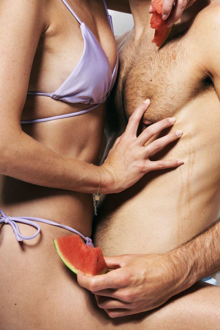 'Een goede (eerste) kus kan ervoor zorgen dat we ons veilig, bevestigd en geliefd voelen, wat ontzettend goed is voor ons welzijn en zelfbewustzijn', aldus biologe Sheril Kirshenbaum. Beeld Joris Casaer