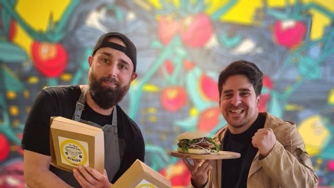 """Iedereen Smult pakt uit met 'The Flying Parmigiano Burger': """"We komen creatief uit de hoek om de mensen naar hier te krijgen"""""""