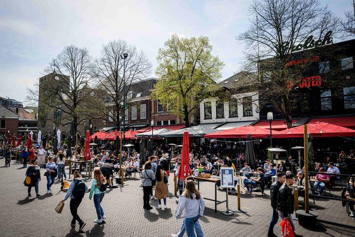 De terrassen in Enschede ging eind april weer open