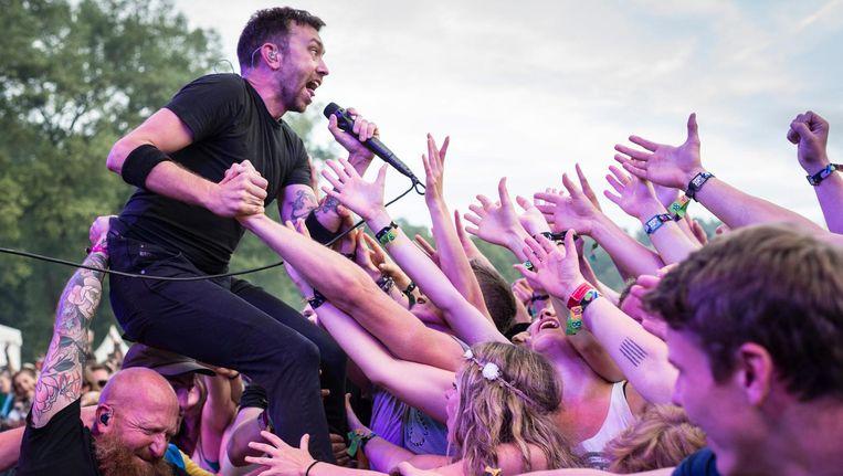 Het is de eerste keer in drie jaar dat Rise Against met een eigen show naar Nederland komt. Beeld anp