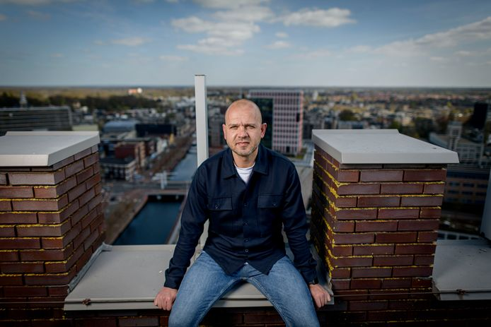 Peter Reekers is een kind van Almelo, maar vertrekt bij Heracles en wordt assistent bij Heerenveen.