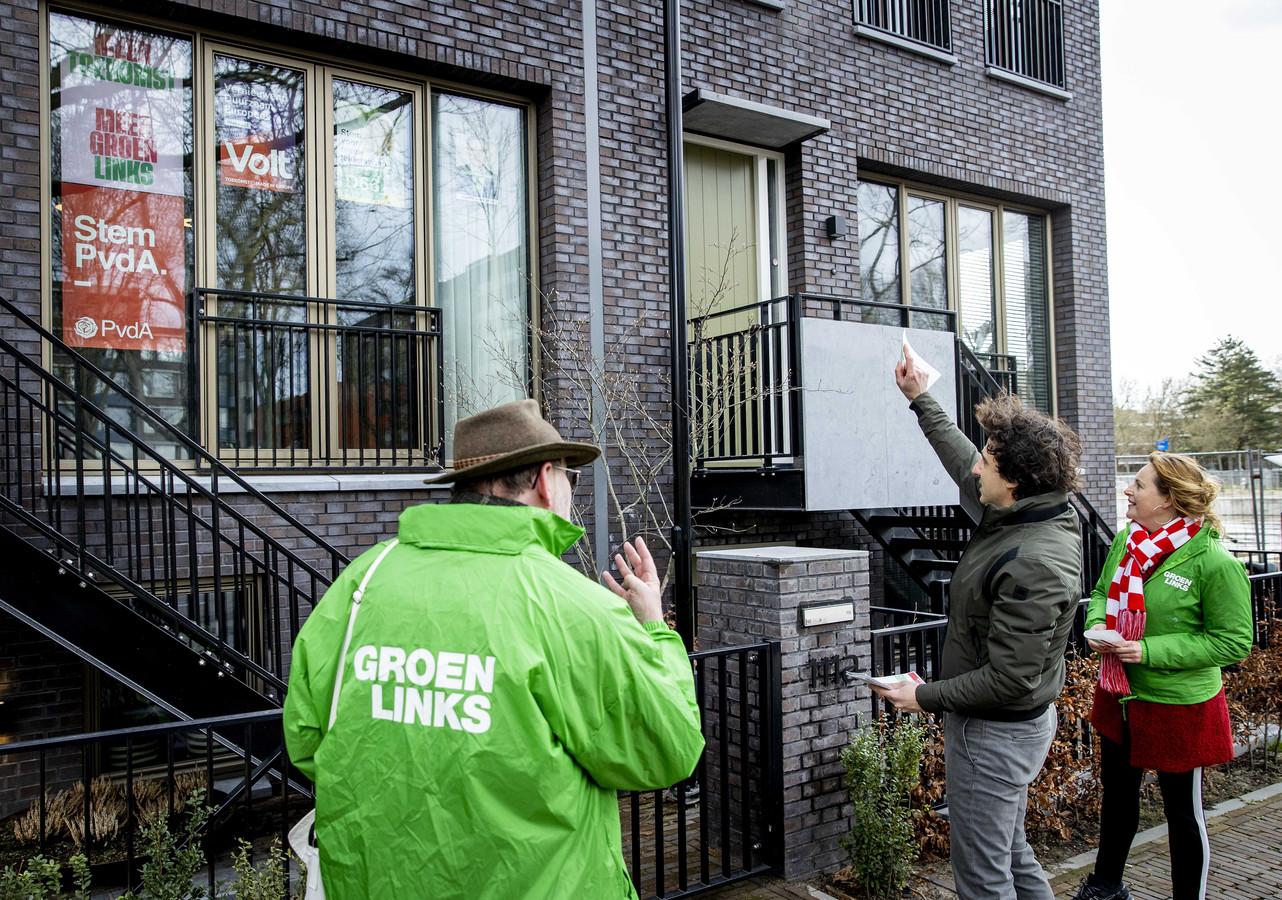 GroenLinks-lijsttrekker Jesse Klaver op campagne in de binnenstad van Den Bosch.