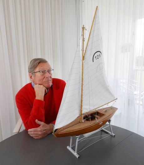 Ton maakte in zijn mancave een oer-Hollands houten zeiljacht na: 'Alles maak ik zelf, zo blijf ik lekker bezig'
