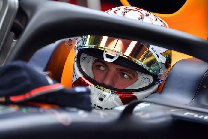 Verstappen racete afgelopen weekend tegen de absolute wereldtop in het simracen en pakte de winst met 0,001 seconde voorsprong.