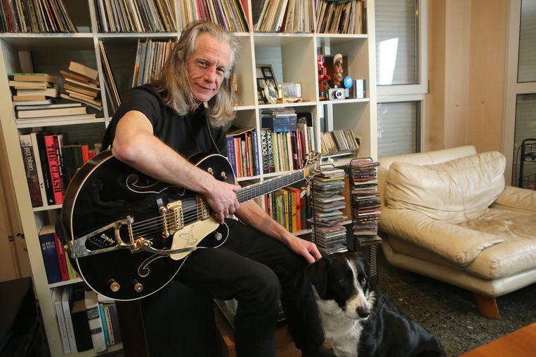Guy Swinnen in zijn thuisstad Diest. Met zijn band The Scabs tourt hij dit voorjaar door Vlaanderen.