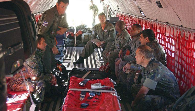 Een Braziliaans militair team staat klaar om te zoeken naar het toestel van Air France. Foto AP/Correio do Estado Beeld