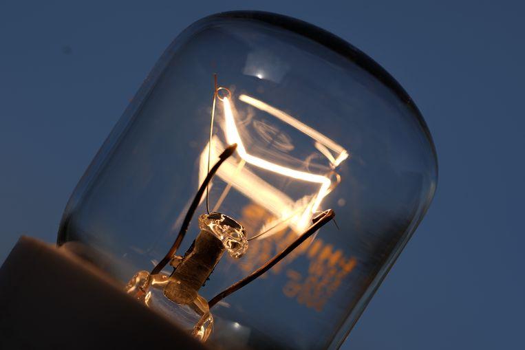 Wat is het beste voor de 8 miljoen Nederlandse huishoudens die meer voor energie gaan betalen? Beeld Getty Images