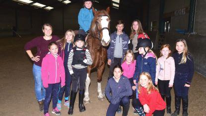 Kinderen op paardenkamp in het Hippisch Centrum