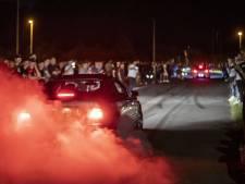 Honderden auto's bij spontane carmeeting in Enschede 'Dit is bij ons in Duitsland onmogelijk'