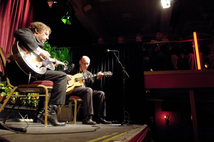 BREDA - Het vaste onderdeel Duo Special, op de foto met Peter Mingaars en Jeff Arthur in 2007, keert ook bij het online programma van het Breda Jazz Festival terug.