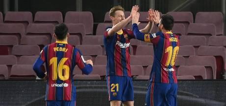Prachtige actie De Jong en goals Messi helpen Barcelona aan overtuigende zege