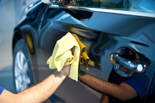 Diverse car-washes en horecazaken werden gecontroleerd.