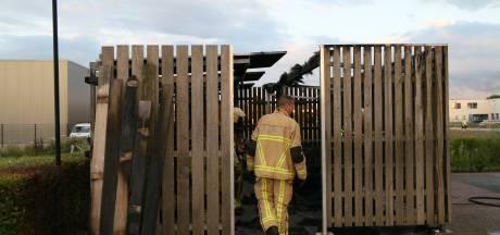 Opnieuw brand in fietsenstalling in Rijssen: politie zoekt brandstichter(s)