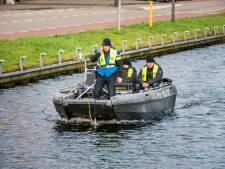 Politie zoekt tevergeefs in het water bij Helmondse Havenweg naar vermiste Flynn