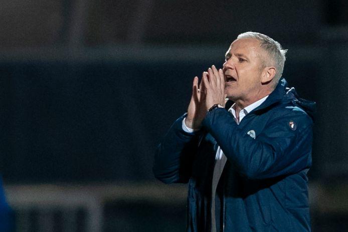 Jack de Gier schreeuwt zijn ploeg vooruit in de thuiswedstrijd tegen Go Ahead Eagles (3-3). Dat gaat hij vrijdag tegen SC Cambuur ook weer doen.