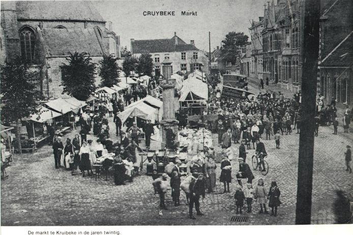 Een foto van de eerste markt in Kruibeke begin jaren twintig.
