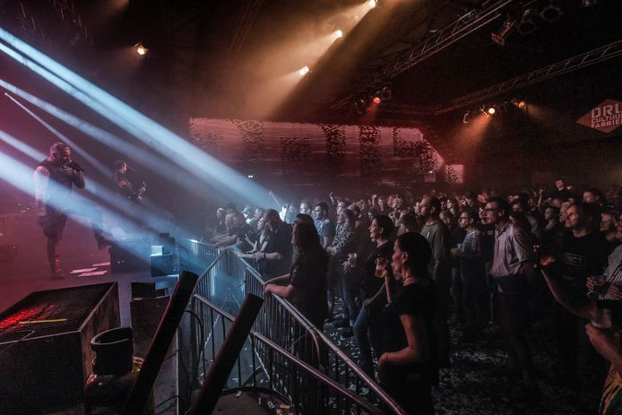 Volle bak en een probleemloze avond met Rammstein tributeband Vannstein in DRU Cultuurfabriek in Ulft.