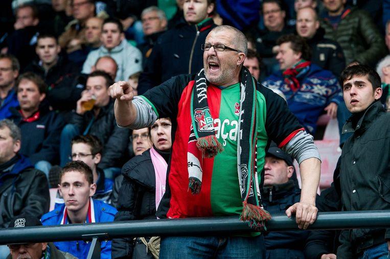 Een boze supporter van NEC schreeuwt tijdens de wedstrijd tegen Sparta Rotterdam. Het hielp niets. De Nijmegenaren degradeerden naar de Eerste Divisie. Beeld anp