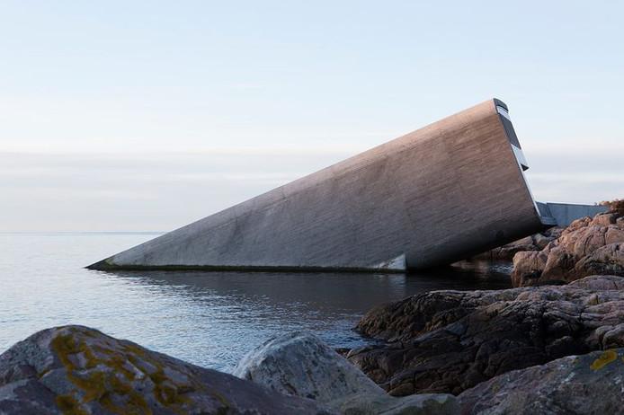 'Under' is het eerste onderwaterrestaurant in Europa.