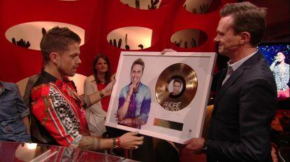 André Hazes krijgt gouden plaat van Lieven Van Gils
