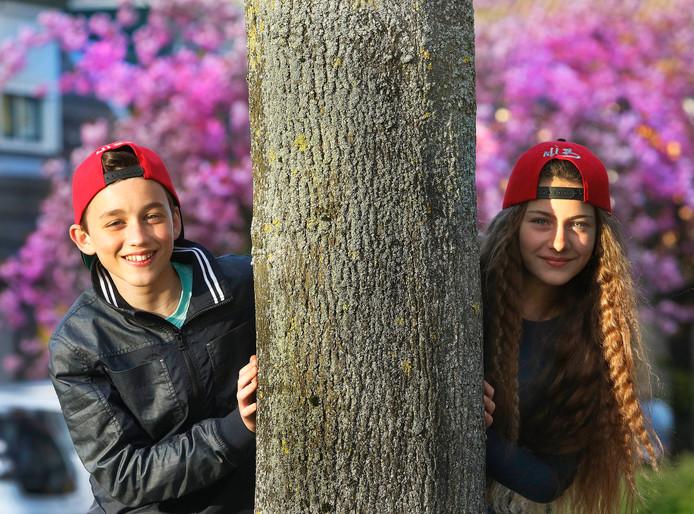 Max Mies en Luana Khelashvili , beide doen ze mee aan de talentshw Voice Kids .    foto : Gerard van Offeren