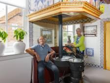 Teleurstelling voor Lijsje (59) en Henk (61) uit Staphorst: een jaar wachten voordat ze hun nieuwe woonboerderij eindelijk aan iedereen kunnen laten zien
