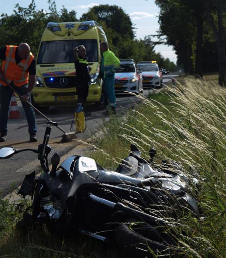 Motorrijder gewond na botsing achterop auto bij Zelhem