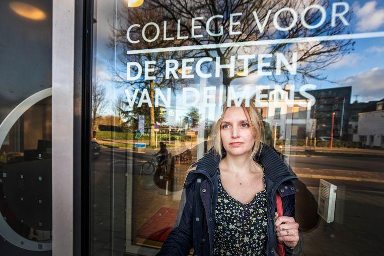 Winnie Hanschen heeft haar zaak bepleit bij het College voor de Rechten van de Mens in Utrecht.  Beeld Raymond Rutting / de Volkskrant