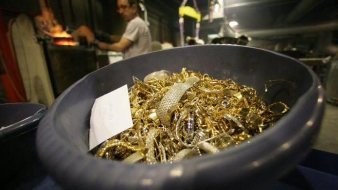De goudaankopen van de firma nv Tony Goetz gebeurden volgens hun advocaten perfect binnen de destijds geldende witwaswetgeving.