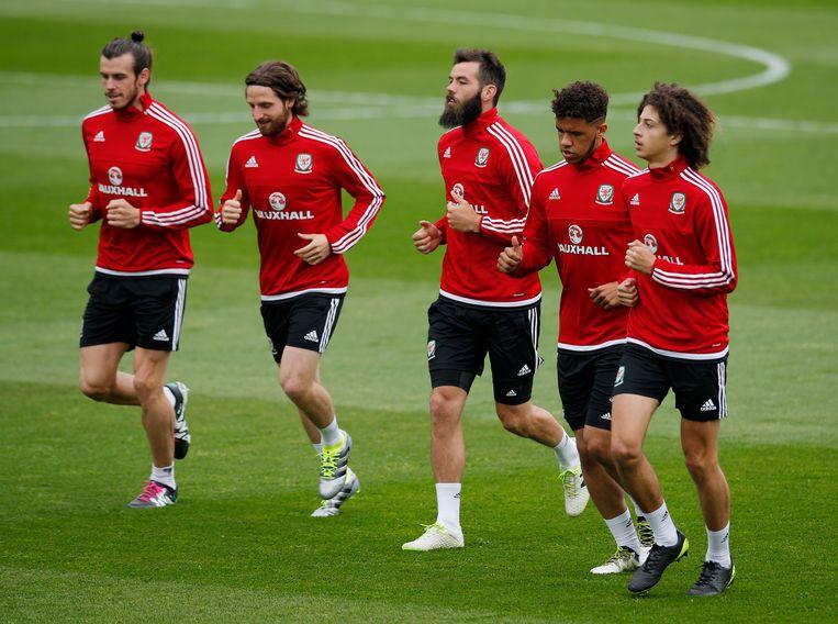 Van l naar r: Bale, Allen, Ledley en Robson-Kanu. Beeld REUTERS