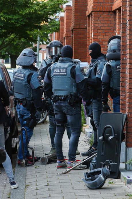 Eis: Vijf jaar cel voor gijzelen, mishandelen en bedreigen wietpluksters