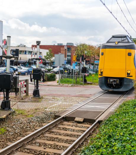 Bizar ongeluk langs beruchte spoorwegovergang is hét gesprek in Den Dolder: 'Levensgevaarlijk'