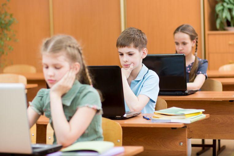 De overstap van de lagere naar de middelbare school kan stress opleveren. Een goede vriend kan die wegnemen. Beeld thinkstock