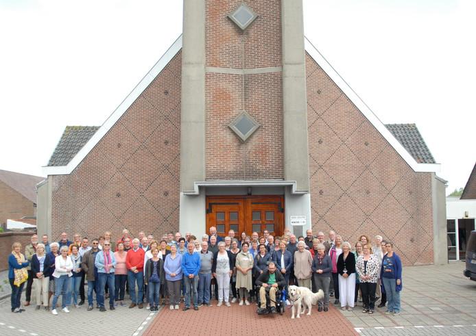 Het Zwinkoor met 'gastzangers' voor de herbouwde kerk in Breskens.