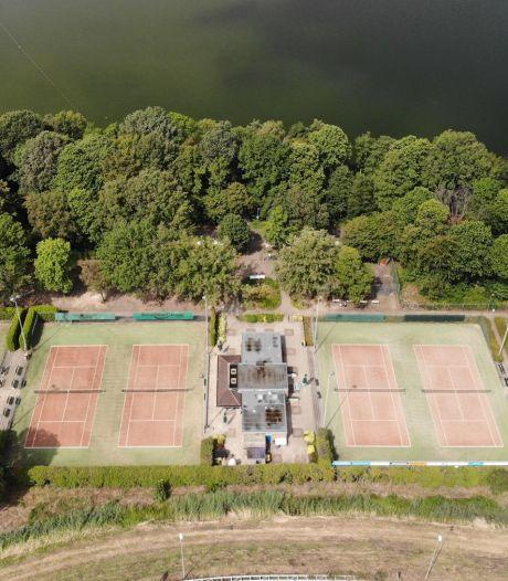 Tennisclub Oosterplas over padelbanen hockeyclub: misschien samen mogelijkheden bekijken