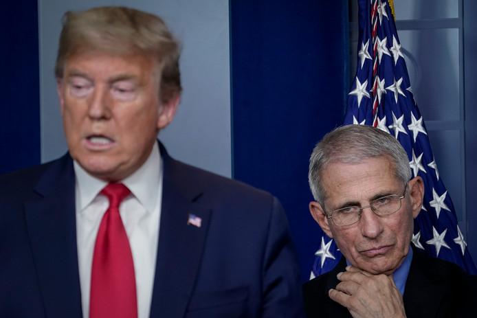 President Donald Trump en dokter Anthony Fauci, die de regering bijstaat bij de bestrijding van het coronavirus.