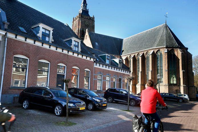 De historische woningen aan de Voorstraat worden mogelijk deels gesloopt.
