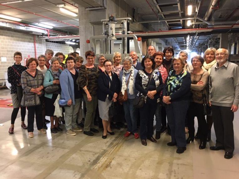 De cursisten van CVO Isbo bezochten de drukkerij van onze krant.