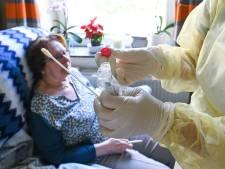Le nombre d'hospitalisations reste stable tandis que le taux de positivité augmente