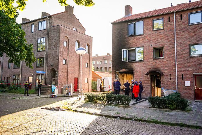 De zwaarbeschadigde woning aan de Moreelselaan in Eindhoven.
