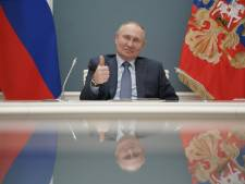 Poetin tekent wet waardoor hij tot 2036 president kan blijven