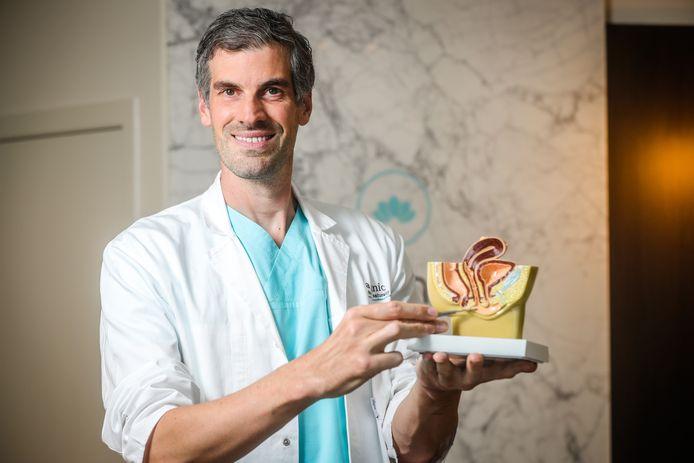 Plastisch chirurg Pieter Vermeulen uit Brugge krijgt veel meer aanvragen dan vroeger om schaamlipcorrecties uit te voeren