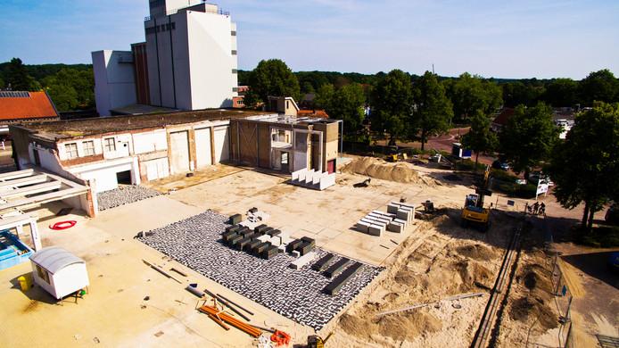 Onderzocht wordt of het dak van De Kaasfabriek 190 zonnepanelen kan dragen.