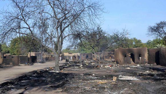 Vrijdag vernielden rebellen van Boko Haram het Nigeriaanse dorp Ngouboua.