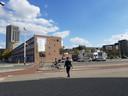 Het Emmasingelkwadrant vanaf het PSV-stadion aan de Vonderweg in Eindhoven. Rechts het karkas. Daar moeten 900 woningen komen.