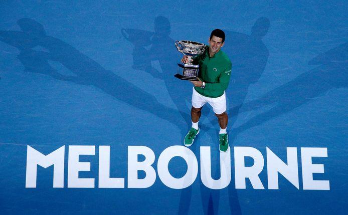 Novak Djokovic won vorig jaar bij de mannen.
