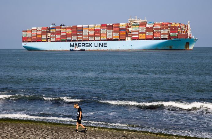 Ook de scheepvaart moet voortaan betalen voor de uitstoot van CO2, als het aan de Europese Commissie ligt.