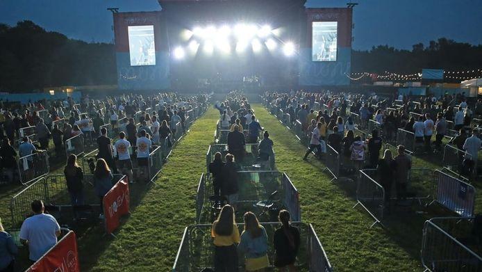 Een voorbeeld van een coronaproof optreden in Newcastle. Kortrijk gaat voor een nog veel gezelliger evenementenplein.